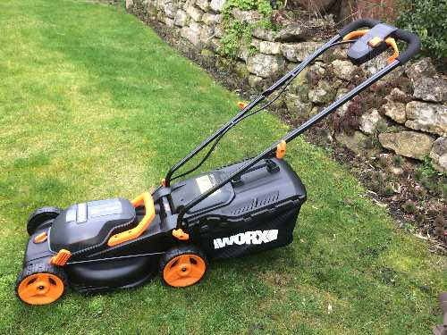 cordless lawnmowers tested and reviewed by fred in the shed. Black Bedroom Furniture Sets. Home Design Ideas