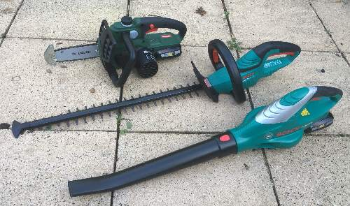 Cordless Hedge trimmers tested and reviewed by Fred In The Shed