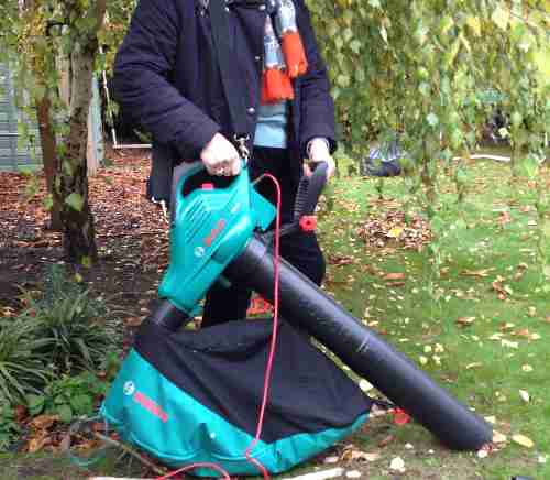 leaf collecting tools tested and reviewed by fred in the shed. Black Bedroom Furniture Sets. Home Design Ideas